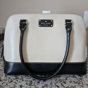 Lightly used black and Ivory Kate Spade purse